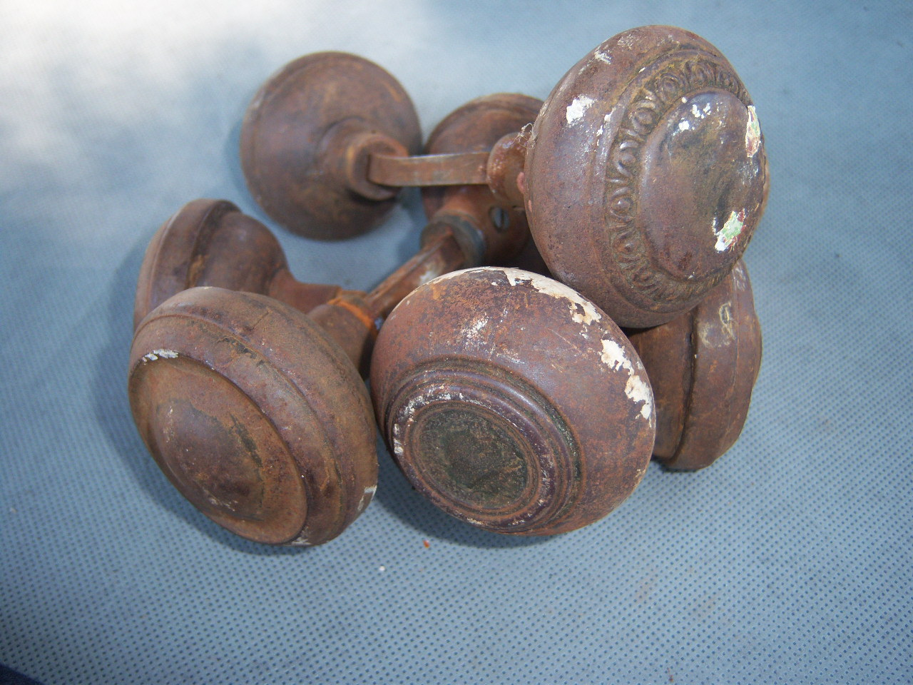 Bon Vintage Metal Knobs ...